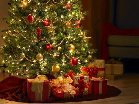 إلى ماذا ترمز زينة الميلاد؟