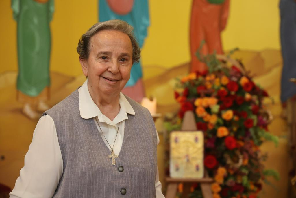 اليوبيل الذهبي للأخت يمنى زعرور في كاتدرائيّة القيامة